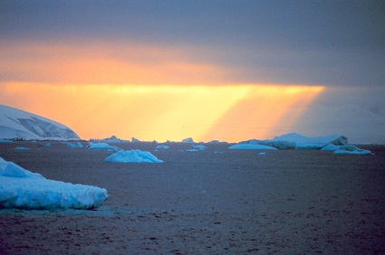 icebergs: This image is in the public domain because it contains materials that originally came from the U.S. National Oceanic and Atmospheric Administration, taken or made as part of an employee's official duties.